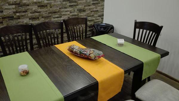 Снимка на Декоративна лента за маса  - 40/130 - зелено или  жълто